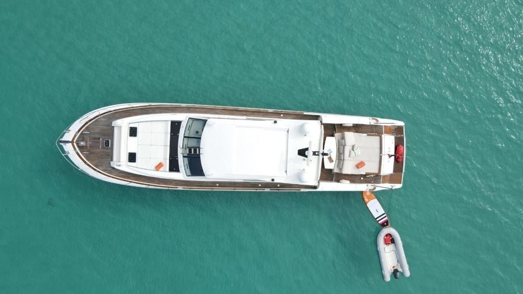 Boat Charten St Martin Luxury Couach 2100 Neree SXM