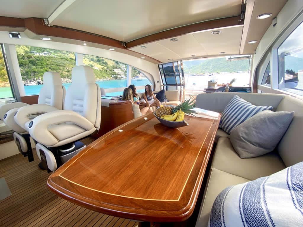 Luxury Private Boat Charters Sint Maarten Couach Yacht 2100